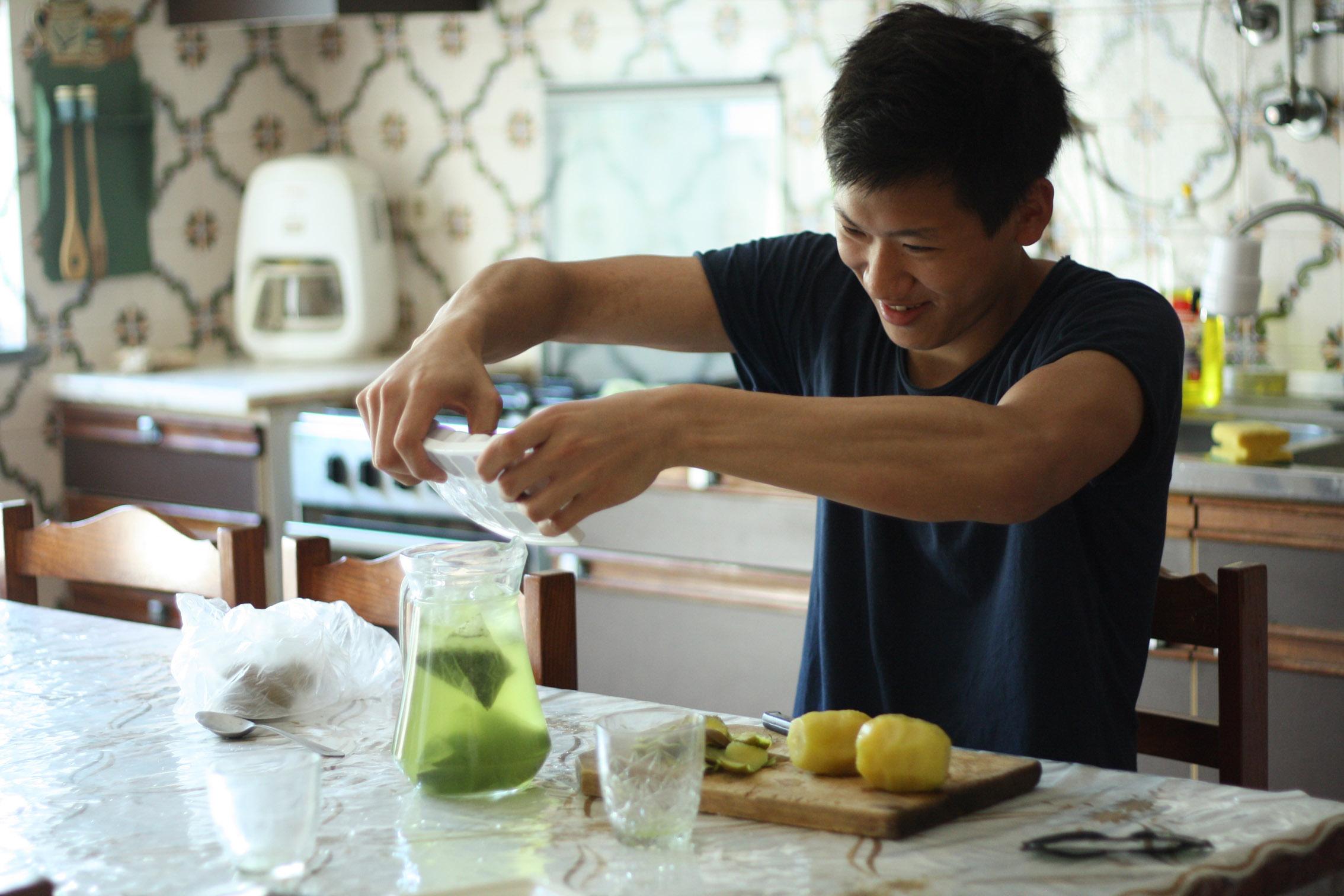 Masato testet neuen Cocktails mit Morimoto Mizudashi