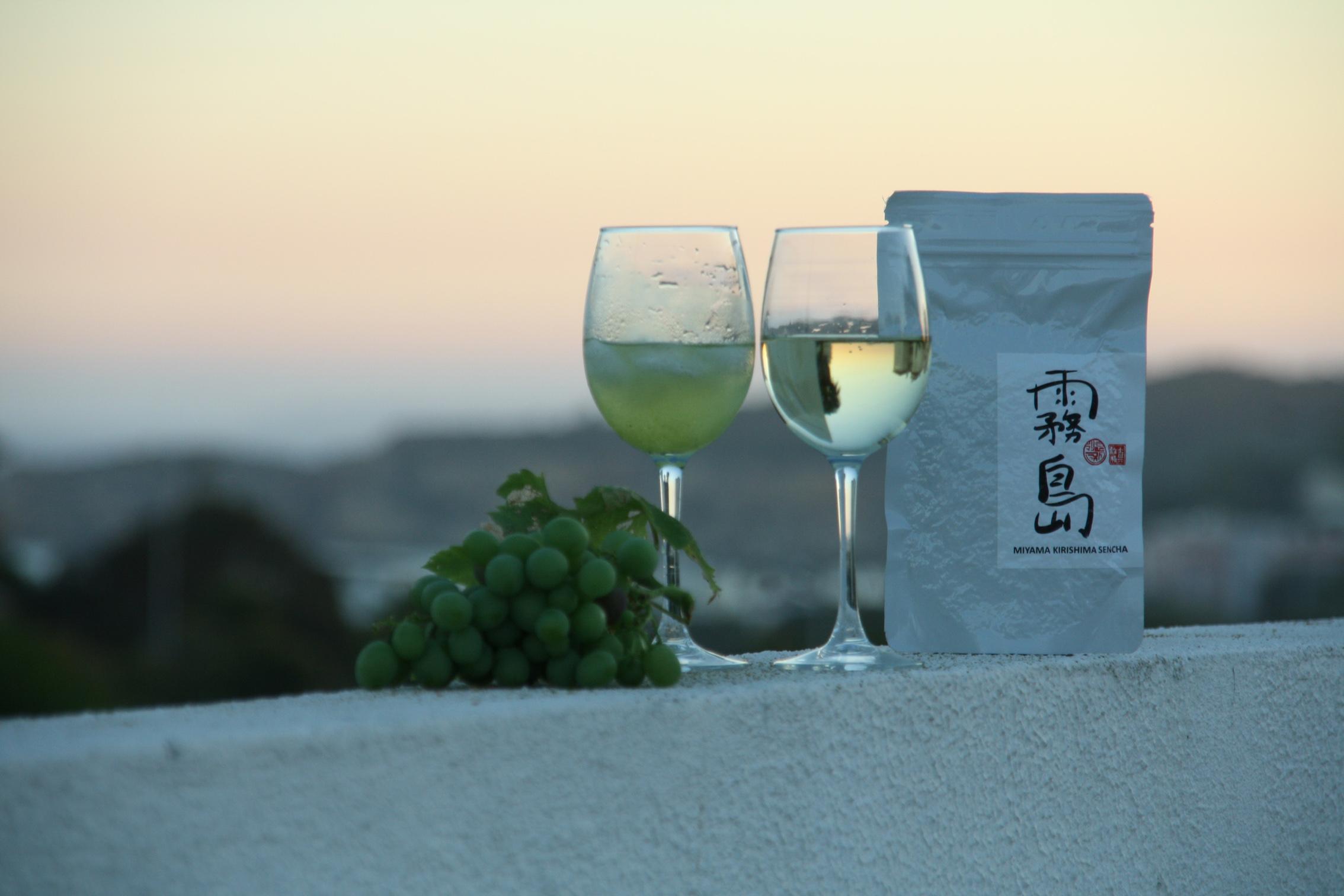 Kirills Experiment mit Miyama Kirishima Sencha und Weißwein