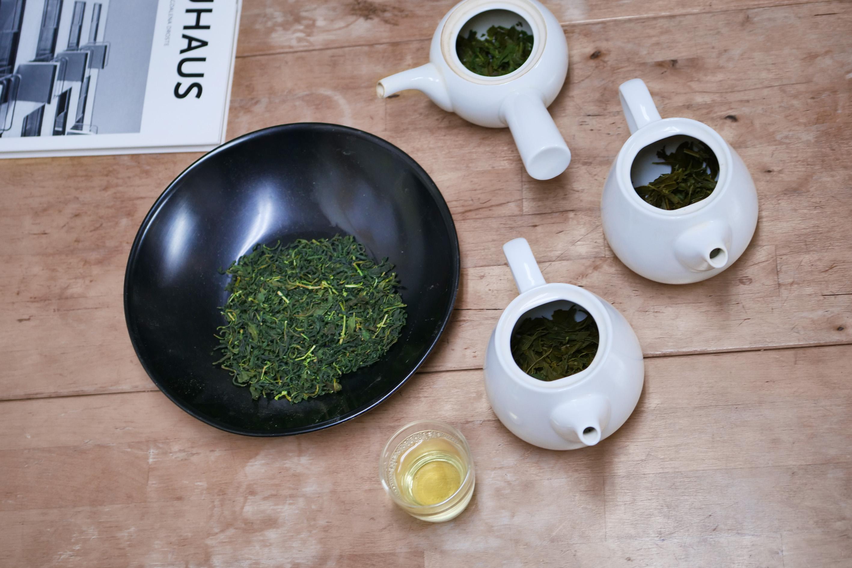 Teeverkostung mit Luna und Fumiaki im Suikyo Teegarten